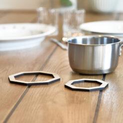 Miljøbillede af vores Octo bordskåner i Light Oak
